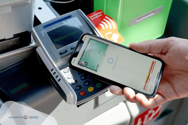 Bargeldlos und kontaktlos im Bus bezahlen